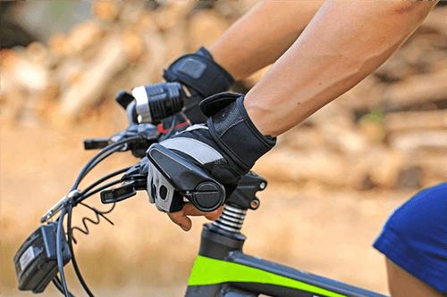 Co to jest rower trekkingowy i jak wybrać najlepszy?