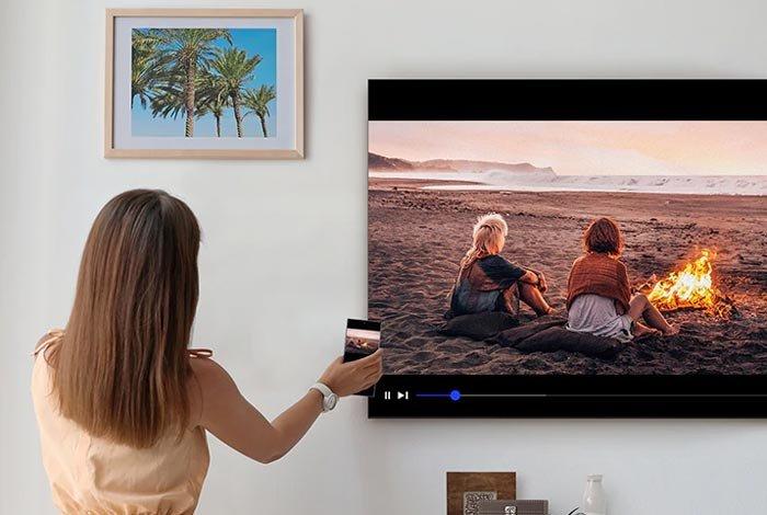 SAMSUNG QLED QE75Q90T TV - Сенсорный экран и дисплей